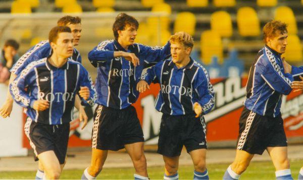 Футболисты Виталий Абрамов, Николай Олеников, Денис Зубко, Валерий Есипов, Олег Веретенников. 1990-е.