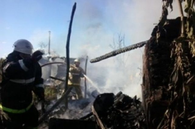 Причины возгорания предстоит установить экспертам Госпожнадзора.