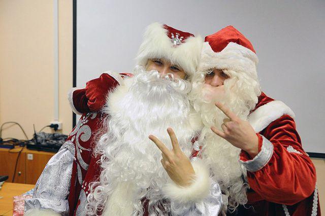 Борода из ваты. Как работает бесплатная школа Дедов Морозов и Снегурочек