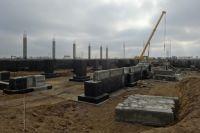 Строительство завода уже началось.