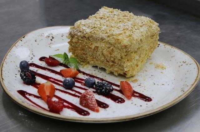 ВОдессе 21 человек отравился тортом «Наполеон»
