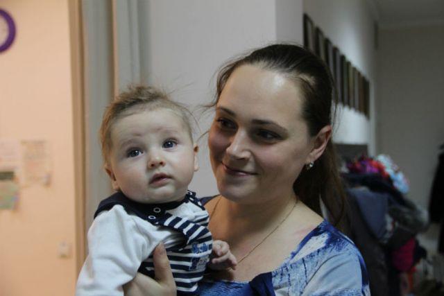 Анастасия Миллер и её младший сын Андрей.