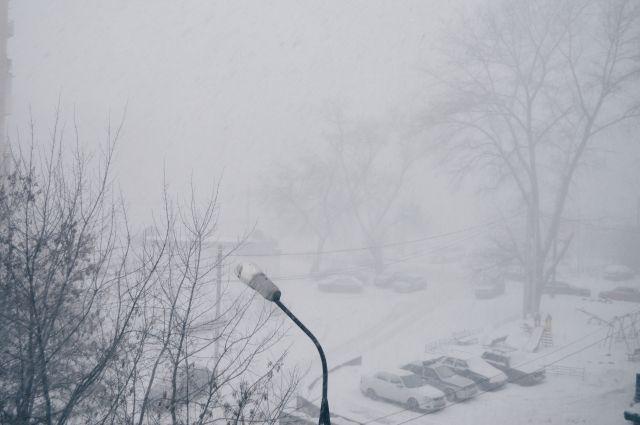 МЧС: в Оренбуржье сохраняются неблагоприятные погодные условия