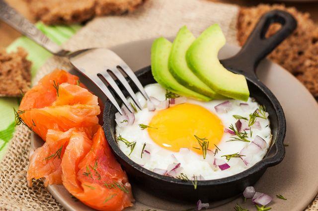 Большим содержанием жира лучше употреблять в первой половине дня в зимнее