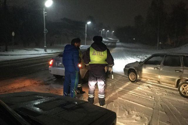 ДТП с автокраном произошло в городе