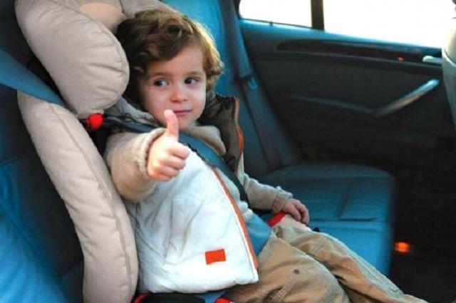 ВУльяновске годовалая девочка оказалась закрытой вавтомобиле