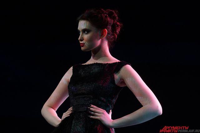 Чёрный цвет всегда в моде, подмечает стилист.