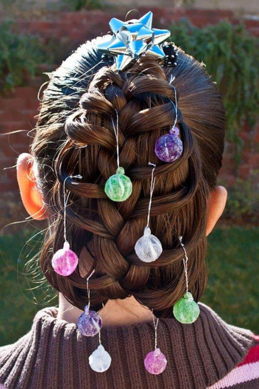 Можно даже вешать новогодние мини-игрушки на ваши волосы