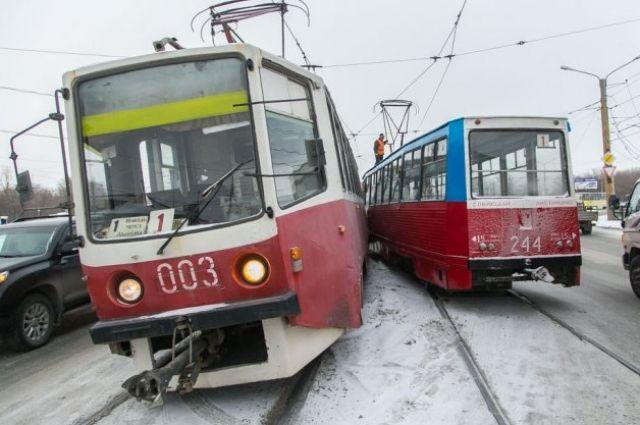 В Орске с разницей в час произошло два ДТП с трамваями