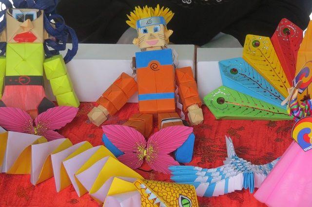 Власти Челябинска выкинули елочные игрушки, сделанные детьми для украшения города