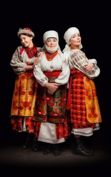 Знаменитая украинская актриса Ада Роговцева прекрасно смотрится в аутентичном наряде