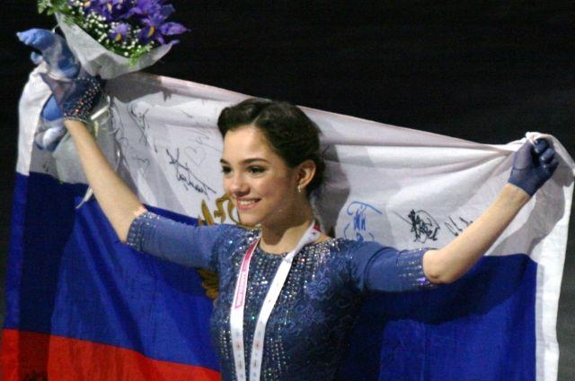 17-летняя русская фигуристка Евгения Медведева побила мировой рекорд, принадлежавший представительнице Японии