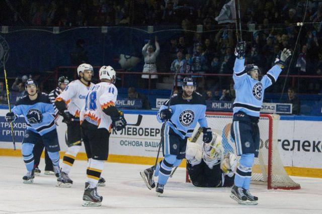 В «Сибири» - новый хоккеист