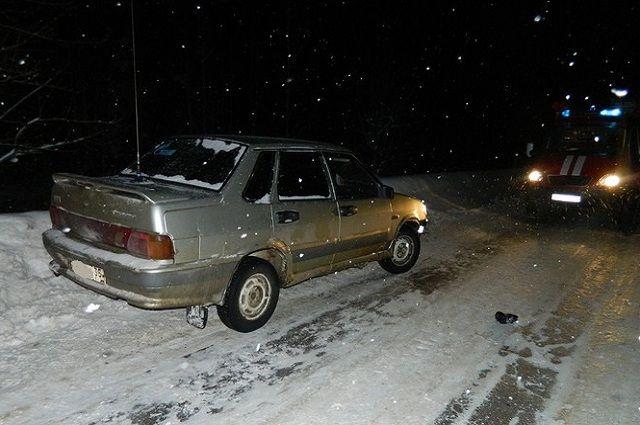 29-летний мужчина упал под колеса ВАЗа и умер вГрязовецком районе