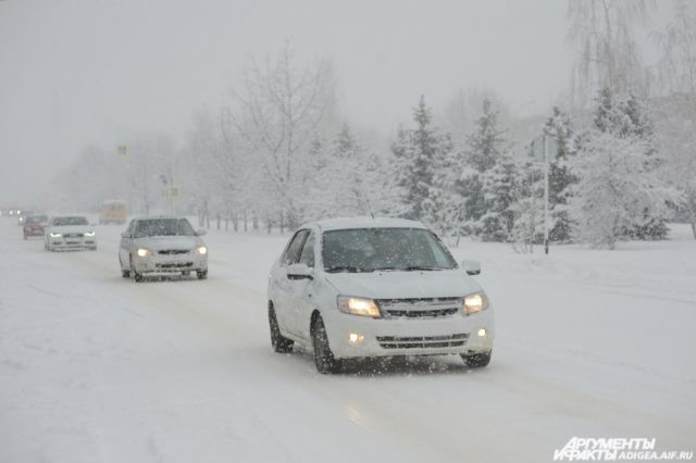 Киевским водителям советуют быть особенно осторожными на трассах 13декабря