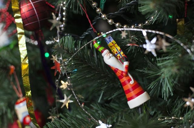 Игрушкой, сделанной своими руками, украсите свою новогоднюю елку.