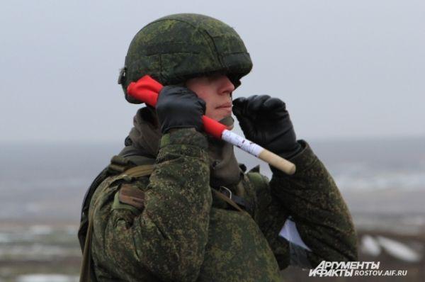 Лейтенант – руководитель стрельбы подразделения.