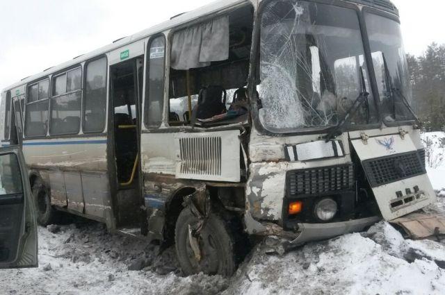 Неменее 20-ти человек пострадали в трагедии автобуса под Брянском