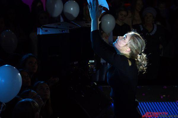 Чемпионка мира по спортивной аэробике среди юниоров Мария Уютова показала настоящий мастер-класс для зрителей.