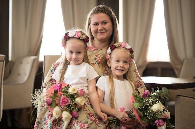 На долю Юлии Алимовой выпала двойная родительская забота.