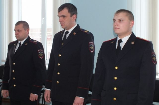 Полицейские справились с возгоранием до приезда пожарных.