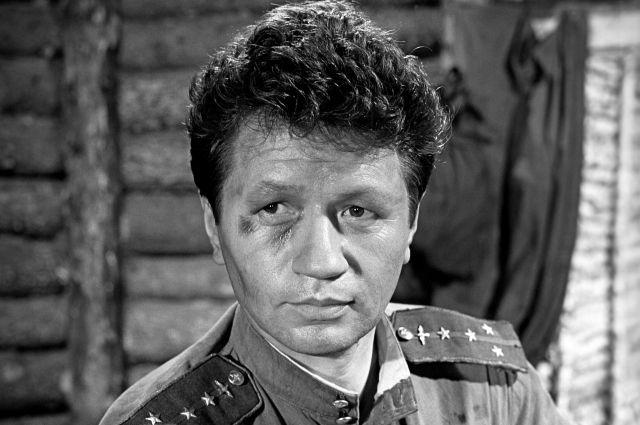 Роль Титаренко - самая известная в кинокарьере артиста.