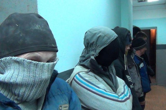 26 мужчин попались на незаконной добыче янтаря под Зеленоградском.