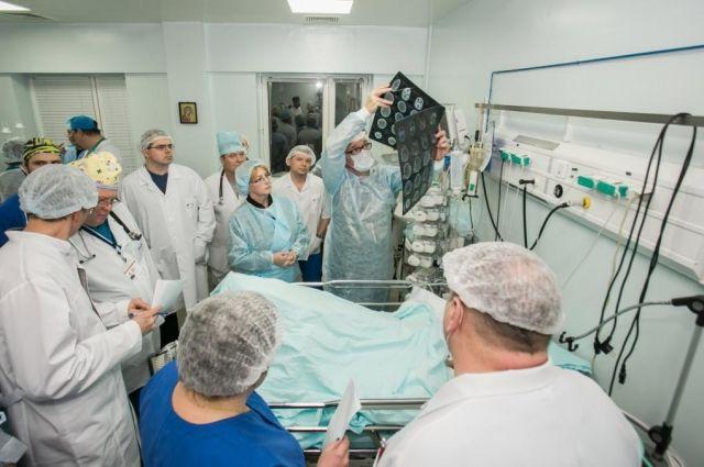 Югорские врачи перевели изреанимации еще одного пострадавшего вДТП ребенка