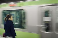 В переходе метро стало светлее