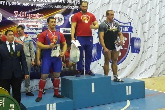 Шесть наград выиграли пауэрлифтеры Красноярского края начемпионате Сибири