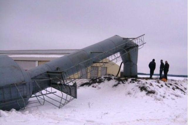 В Бузулуке обрушилась старая водонапорная башня