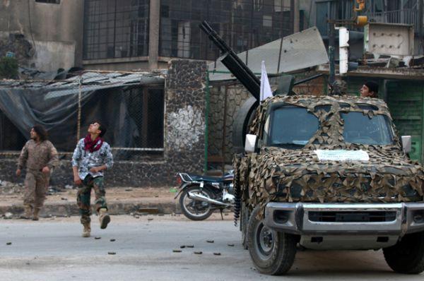 В освобожденных от боевиков районах Алеппо продолжается разминирование территории.