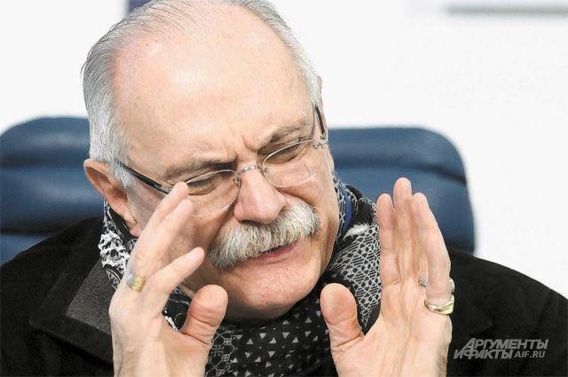 «Оночень любит бокс». Никита Михалков едет вЕкатеринбург