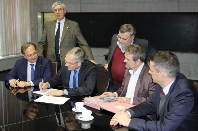 Момент подписания договора