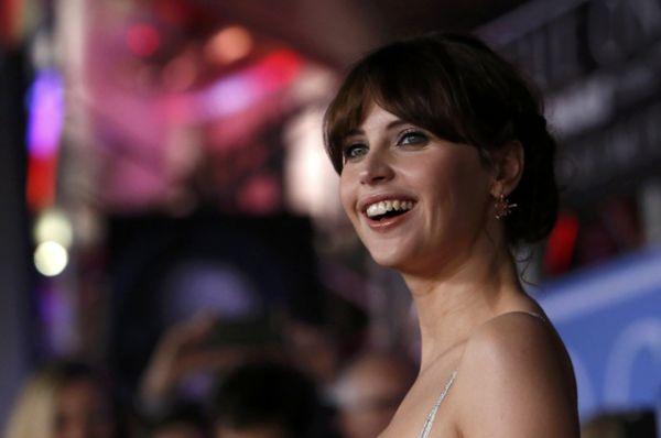 На главную роль Джин Эрсо режиссер Гарет Эдвардс пригласил актрису Фелисити Джонс, наиболее известную по фильму «Теория всего».