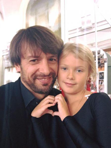 Вот Шовковский со своей дочерью Сашей