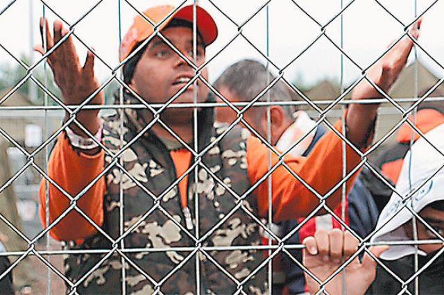 Вофранцузском Кале достроили стену отмигрантов