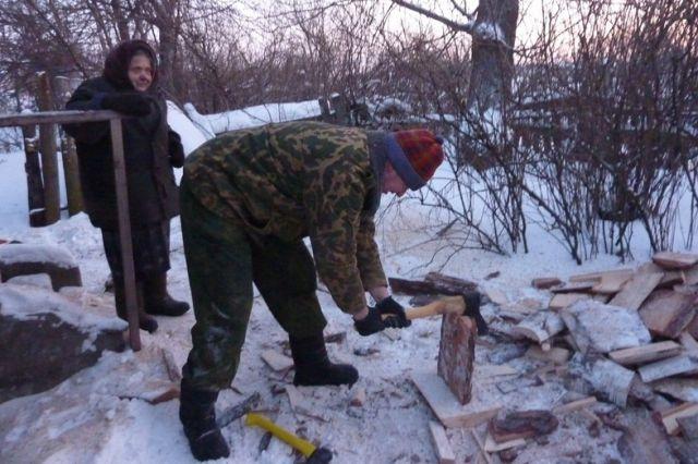 Пока не все смогли запастись дровами