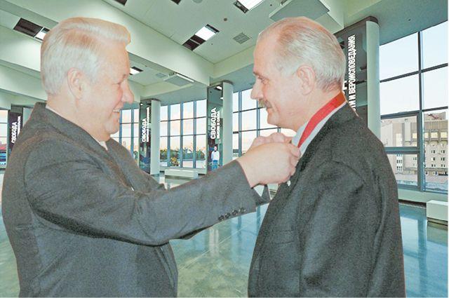 Михалков просмотрел менее  половины экспозиции музея Ельцин Центра