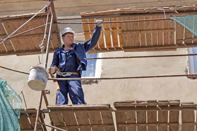 Необходимые виды работ планируется выполнить не менее чем по 85 многоквартирным домам.
