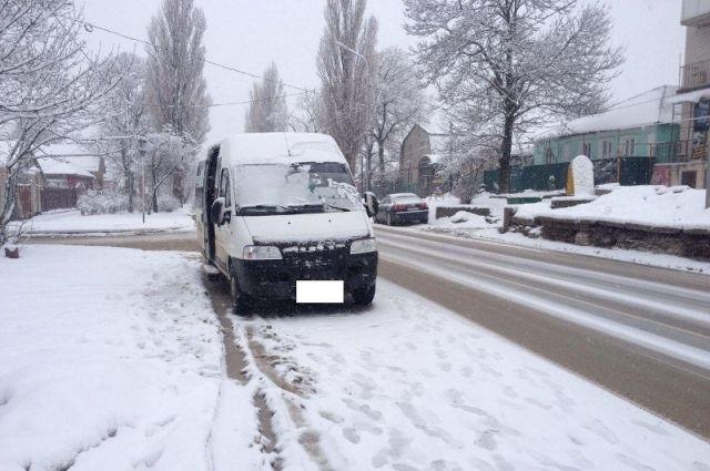 ВСтаврополе всалоне маршрутного такси упала пенсионерка