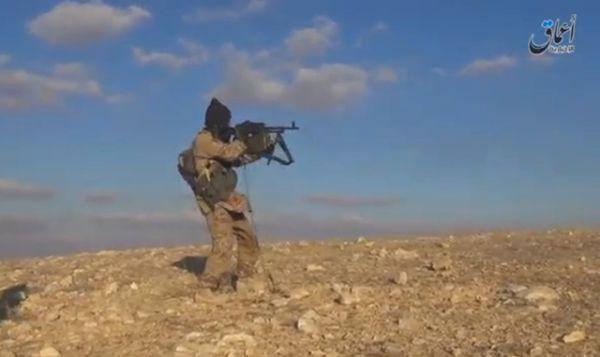 В опубликованных видеороликах террористы позируют посреди занятой территории.