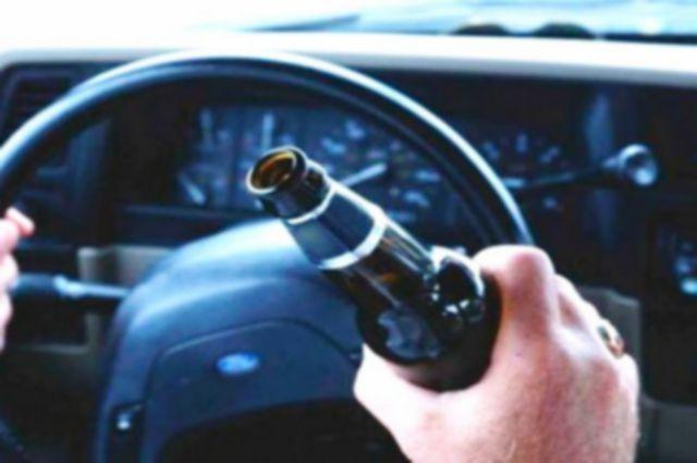 В Новоорском районе пьяный водитель протаранил машину ДПС