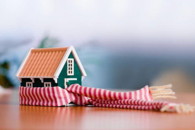 Если квартира новая или в ней сделан качественный ремонт, но температура в помещении низкая, то следует поискать скрытые теплопотери.