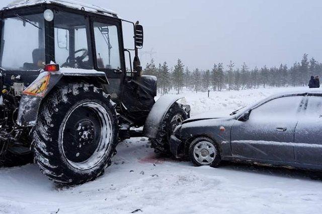 ВЧереповецком районе столкнулись легковой автомобиль и фургон