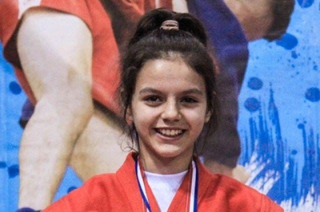 Соль-илечанка Елена Комур стала лучшей в весовой категории 41 кг.