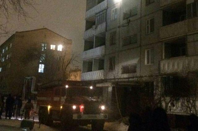 Изгорящего дома наБеляевской эвакуировали восемь человек