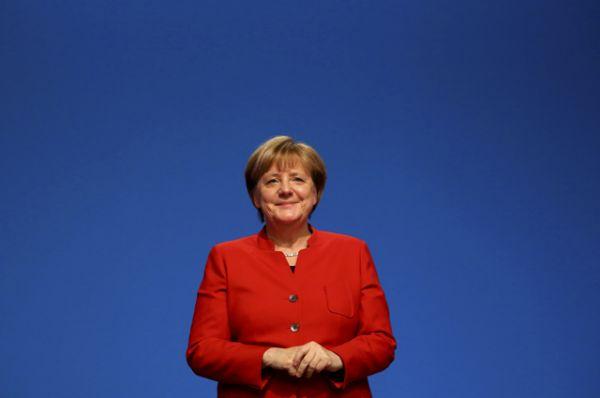 3 место — канцлер Германии Ангела Меркель. В 2015 году она была второй в списке.