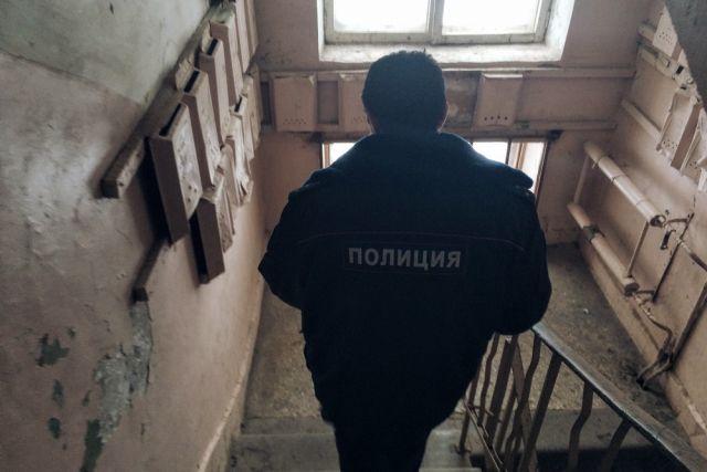ВЧебоксарах сын выпал сдевятого этажа после поножовщины сотцом