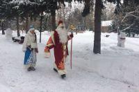 Омичи пришли в гости к Деду Морозу.